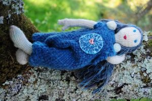 descanso, boneca em tricot